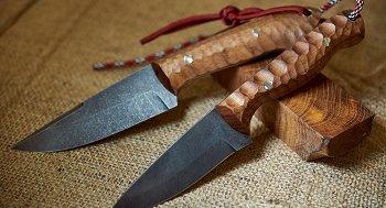 Damast Messer mit Holzgriff