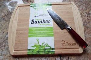 Extragroßes Bio Bambus Schneidebrett mit Rille von Twinzee im Test